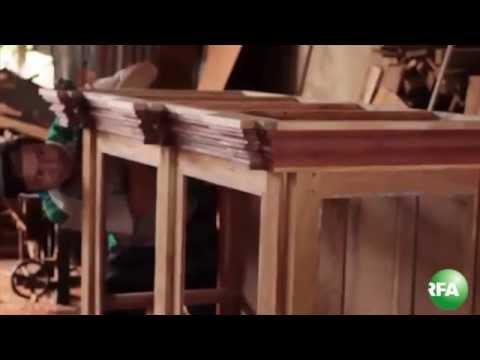 Làng nghề đóng tủ thờ cổ ở Gò Công