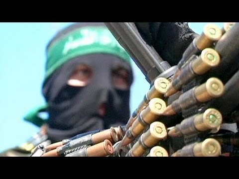 Hamas in rare show of strength