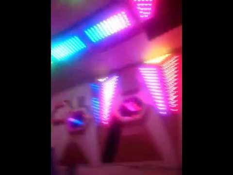 Cận Em Gái đẹp lộ hàng trong phòng karaoke đẹp phiên bản mới ( choắng với công nghệ LED mới)