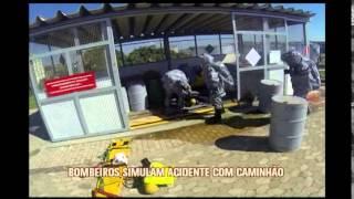 Bombeiros simulam acidente com explos�o durante treinamento em Betim