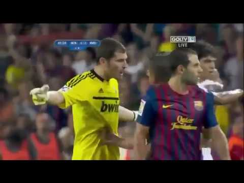 Barcelona vs Real madrid 3 2 Mesut Ozil Fight David villa