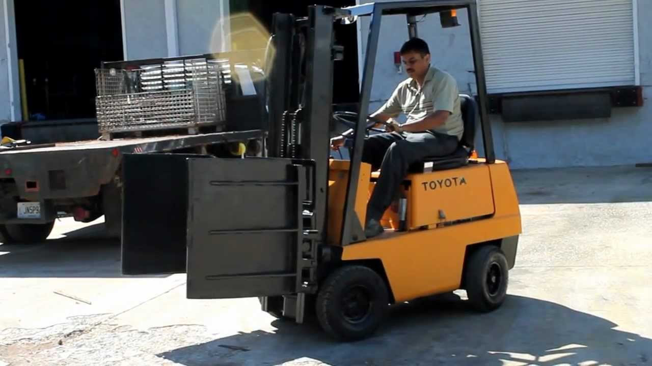 Compartment Of A Fork Lift : Toyota clamp trucks