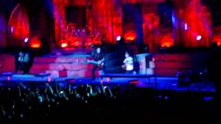 Synyster Gates Trips and Falls After a Solo - Uproar Festival