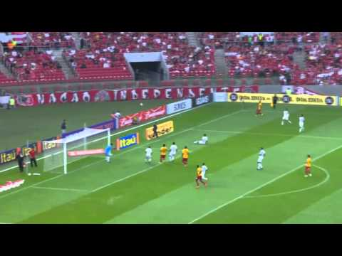 Charles Aranguiz vs Sport Recife