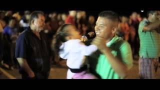 Y ME BESA (Gerardo Ortiz) Video Official