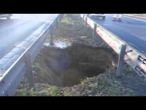 Breaking News 15ft deep hole appears on M2 in Kent - 12 February 2014