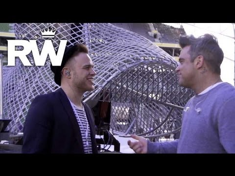 Robbie Williams | 'Kids' Duet With Olly Murs | Take The Crown Stadium Tour 2013 Presented by Samsung