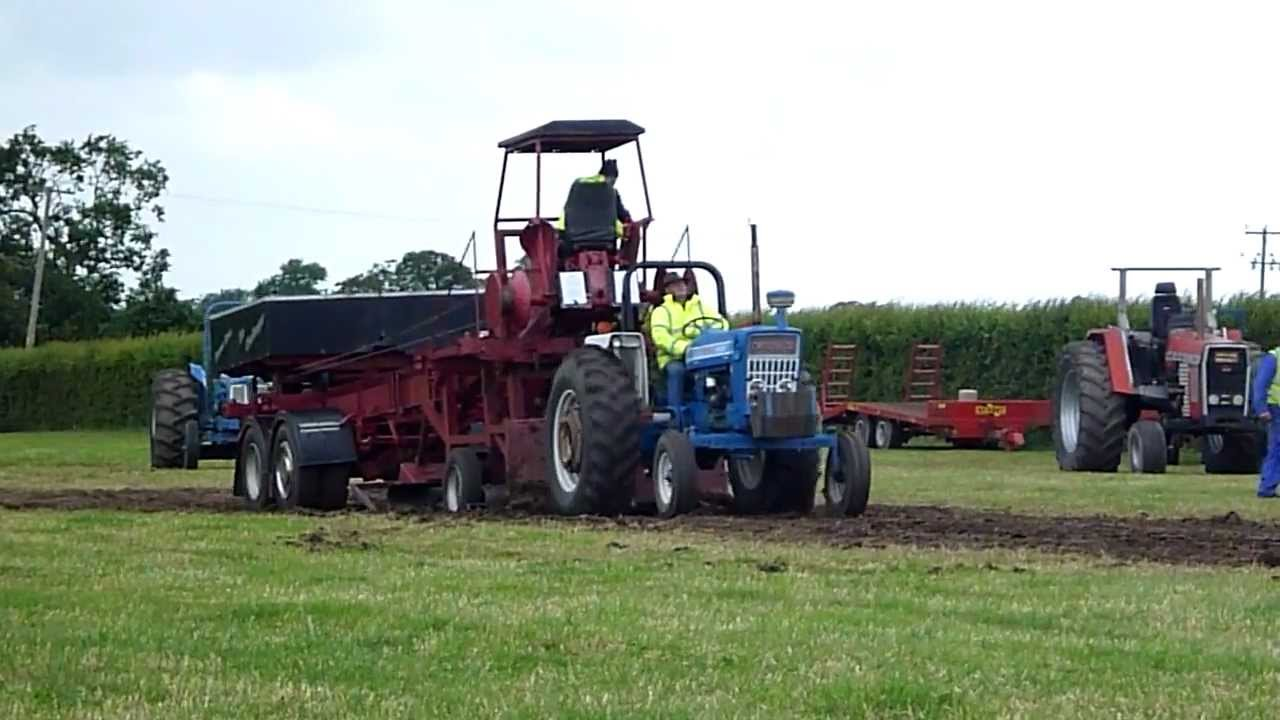 Ford Pulling Tractors : Ford tractor pulling youtube
