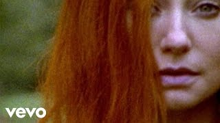 Tori Amos - Welcome To England