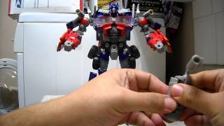 Transformers DOTM Jetwing Optimus Prime Review En Español