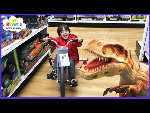 TOYS HUNT at Toys R Us Ryan ToysReview Giant Life Size Dinosaur kids toy store Family Fun Trip