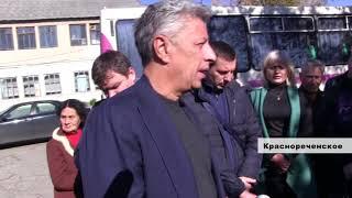 Народные депутаты побывали в поселке Краснореченское
