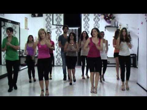 ballo di gruppo TARANTELLA PULCINELLA