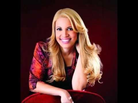 Andrea Fontes - Eu Profetizo(Faixa 01 do CD Diploma de Vencedor)