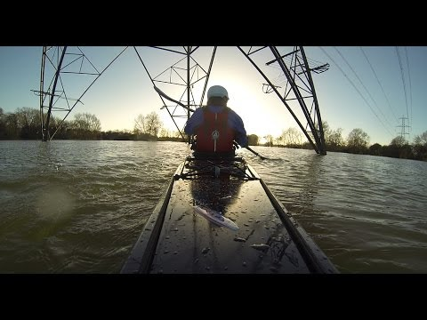 Kayaking the River Thames in Flood - Oxford 2013