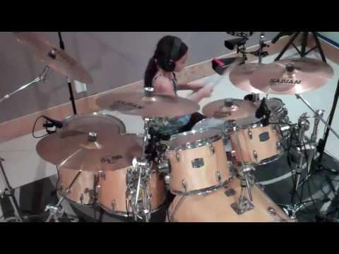 Young Girl Talented Drummer - Bé gái đánh trống cực đỉnh