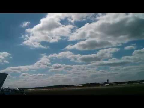 Farnborough 2014 - Boeing 787 Dreamliner Take Off and Flight
