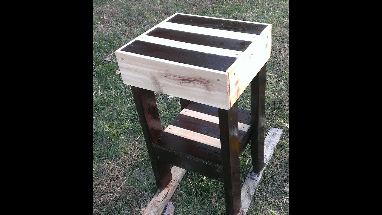 Pallet furniture. How to make a pallet end table - YouTube