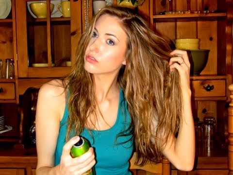 Easy Beachy Waves Hair Tutorial (DIY Sea Salt Spray!)