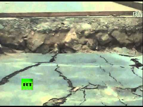 Video of huge cracks in roads, destruction after 6.8 Myanmar quake