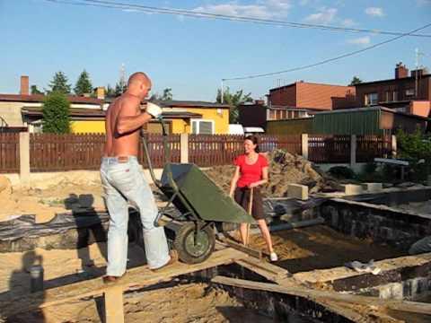 Śmieszny filmik - Śmieszny wypadek na budowie