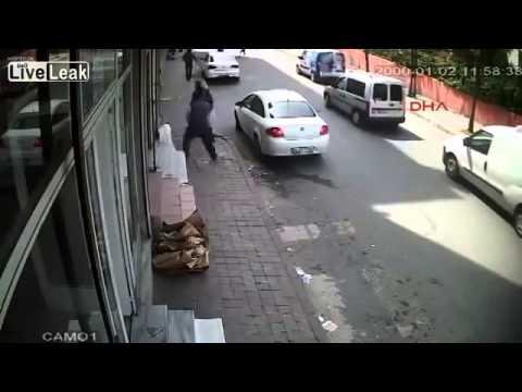 Tin Tuc 24h   Giang hồ xã hội den sách dao chém nhau ngay ban ngày nhu phim hanh dong