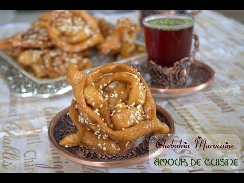 comment faire la chebakia marocaine, patisserie et gateau marocain pour l'Aid