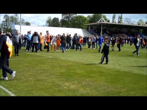 Welling United v Luton Town Pitch Invasion