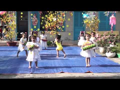 Liên khúc Xúc xắc xúc xẻ - Chúc Mùa Xuân