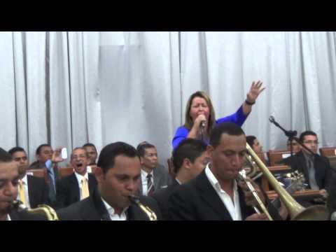 SHIRLEY CARVALHAES A DITOSA CIDADE COM A BANDA KAIRÓS NO CONGRESSO DA UMADEM 2014