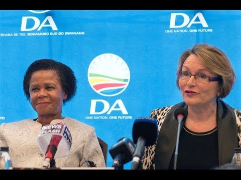 Helen Zille announces Mamphela Ramphele as DA's presidential candidate
