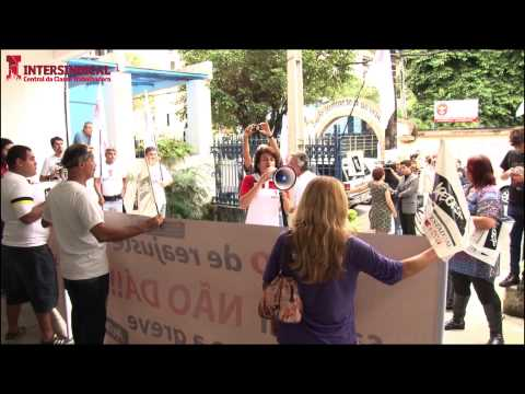 Fala da Intersindical durante ato da greve dos professores em São Vicente