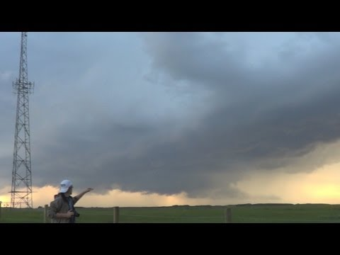 Storm Hunters [Se1 Ep7]-Into The Rain Core