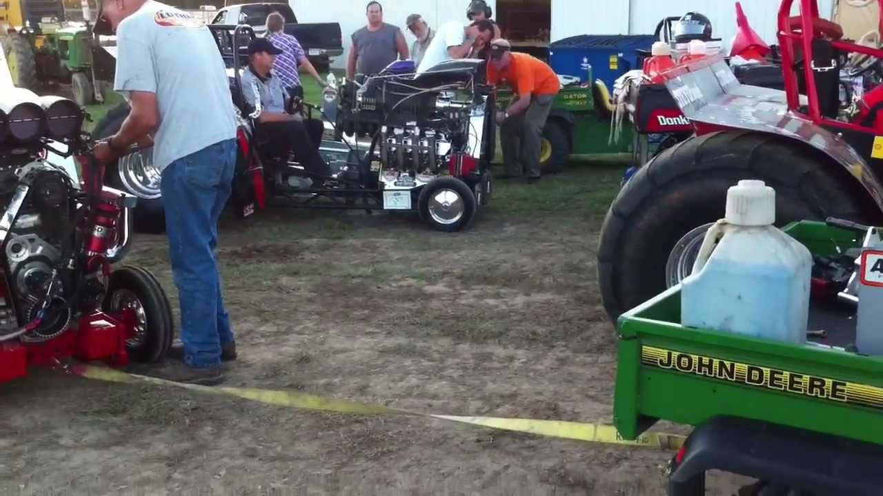 Mini Mod Tractor Pulling : Mini mod tractor pulling and semi youtube
