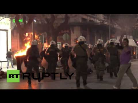 Greece: Clashes between protesters and police near Golden Dawn offices
