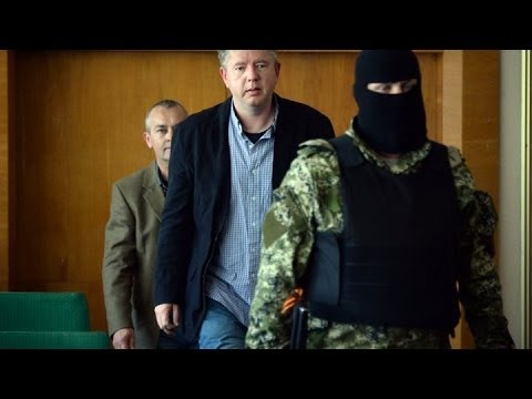 Ukraine: Pro-Russian separatists free a Swedish observer 'on medical grounds'