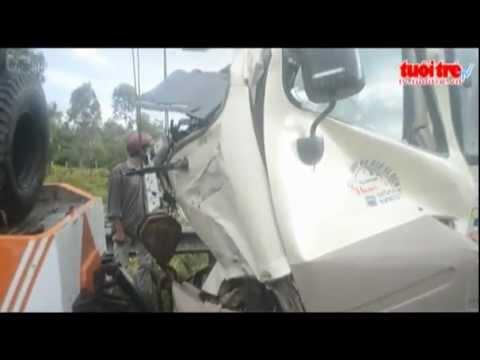 Tai nạn giao thông thương tâm trên QL1A  - Tuổi Trẻ TV Online