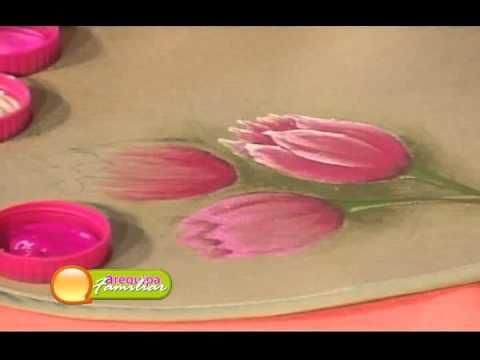 Arequipa Familiar: Decorado en tela, pintando un lindo Tulipan