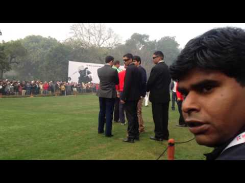 Tiger woods @ the first tee, Delhi Golf Club