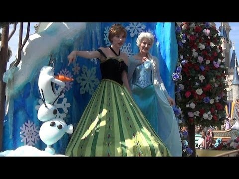 Anna, Elsa and Olaf from FROZEN debut in Disney Festival of Fantasy Parade Extended Version