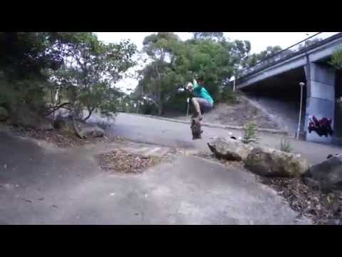 Sydney DH longboarding, mobbing, bombing and hitting the ditch.