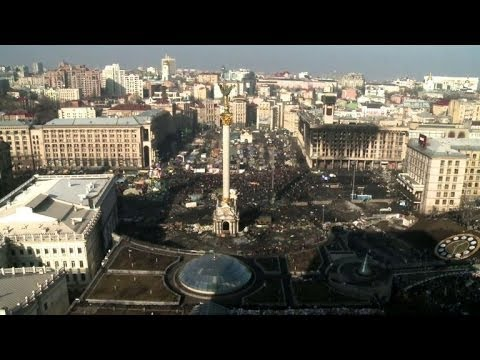 Ukraine rivals sign deal to end crisis