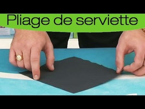 pliage de serviette en forme de chemise et de cravate youtube. Black Bedroom Furniture Sets. Home Design Ideas