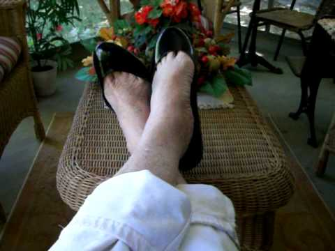 my PayLess skimmer flats toe play 81211a.mov