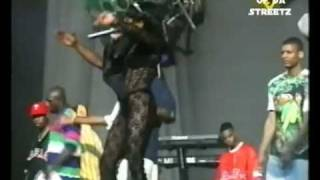 NOTORIOUS BIG AND LIL KIM GET MONEY LIVE [RARE FOOTAGE