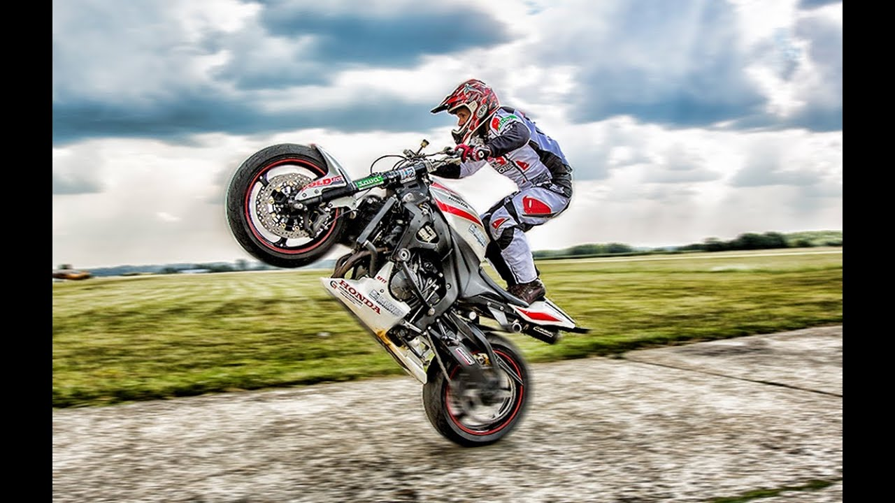 Troger Mokus in Hungary: World Champ stunt-rider extraordinaire