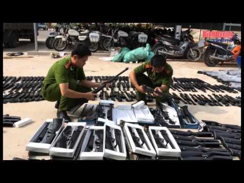 Công an huyện Bàu Bàng bắt giữ lô hàng lớn súng hơi và pháo