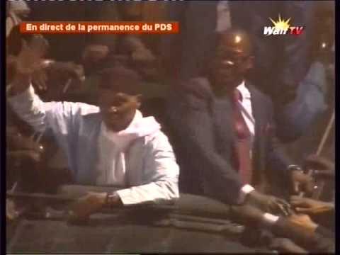 Enfin Me Abdoulaye Wade  arrive a la Permanence du PDS