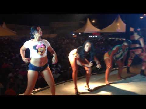 Kika Com a Bunda - Trio da Huanna no Barril de Cana Fest em Coaraci-BA