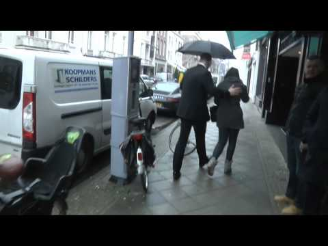 Celebrity Faking! Ashley Benson van Pretty Little Liars in PC Hoofstraat Amsterdam - Angel Challenge